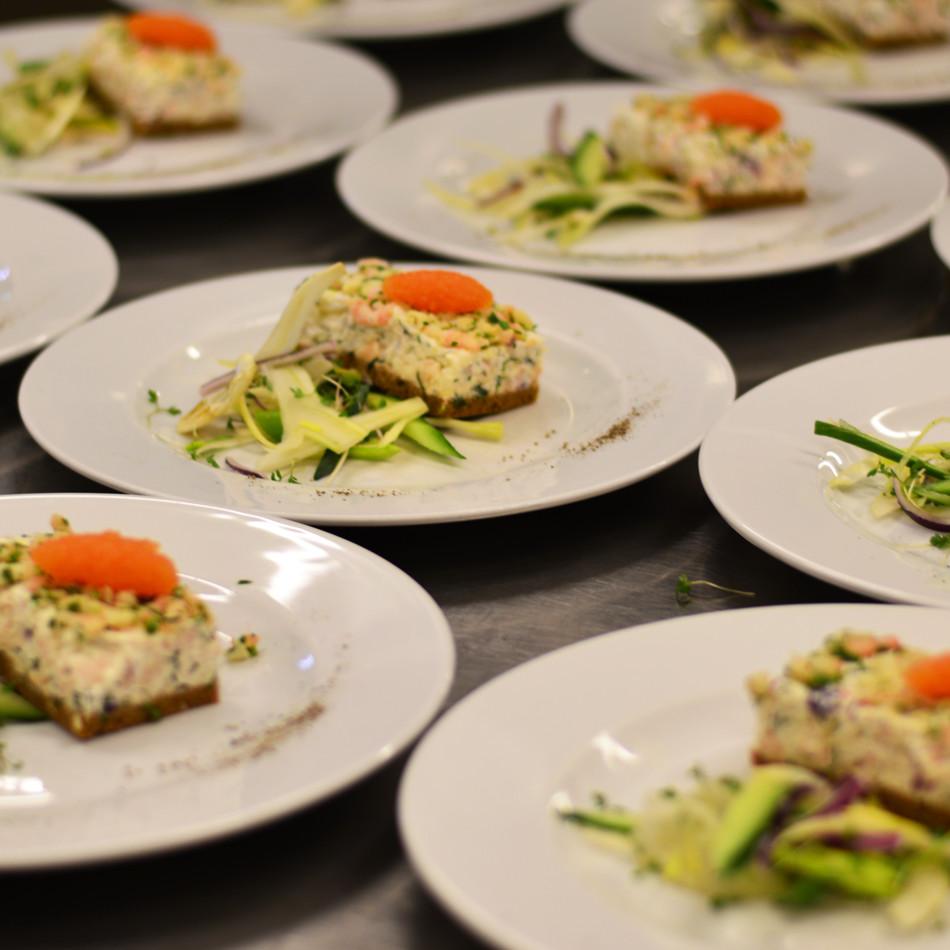 Ordna fest eller middagsbjudning med catering från Times Kitchen.
